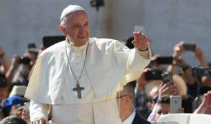 Así fue el recibimiento de los fieles al Papa Francisco en el Grupo Aéreo N°8