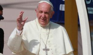 Papa Francisco culminó multitudinaria misa y se dirige al grupo Grupo Aéreo Número 8