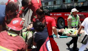 Cercado de Lima: patrullero de la comisaría de Santa Anita choca contra moto de la policía