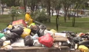 VMT: hedor de la basura obliga a comerciantes cerrar sus negocios
