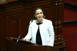 Ministra Cooper: Economía entra en una fase de tendencia al alza