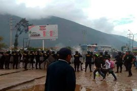 Carretera Central permanece bloqueada por agricultores de papa en huelga
