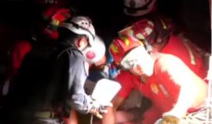 Chorrillos: bomberos rescatan a obrero de construcción atrapado