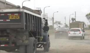 Vía en mal estado es un peligro en la antigua Panamericana Sur