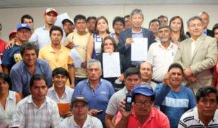 Gobierno firma 17 acuerdos con productores de papa