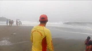 Costa Verde: colocaron banderas rojas en las playas por intensa neblina