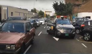 Lince: inmediaciones de comisaría sirve como depósito de vehículos