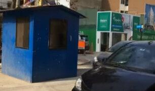 Caseta de vigilancia se encuentra instalada en plena pista