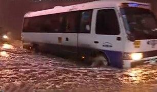 Carretera Central: cierran el paso a desnivel por acumulación de agua
