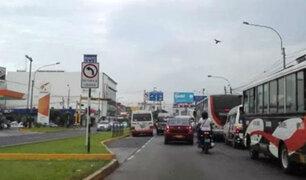Surco: captan señales de tránsito contradictorias en av. Benavides