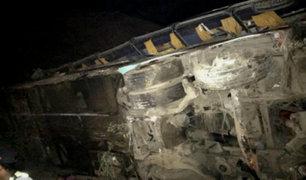 Arequipa: se elevó a 44 los muertos tras caída de bus a abismo