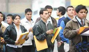 Estudiantes piden modificación de polémica ley de trabajo juvenil