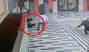 Delincuentes armados y encapuchados asaltan agencia del Banco Continental