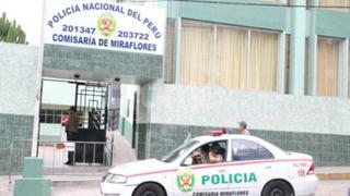 Policías se pelean en patio de comisaría por el amor de una suboficial