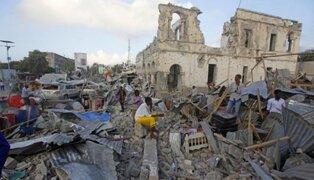 Atentados con coches bomba desatan el caos en la capital de Somalia