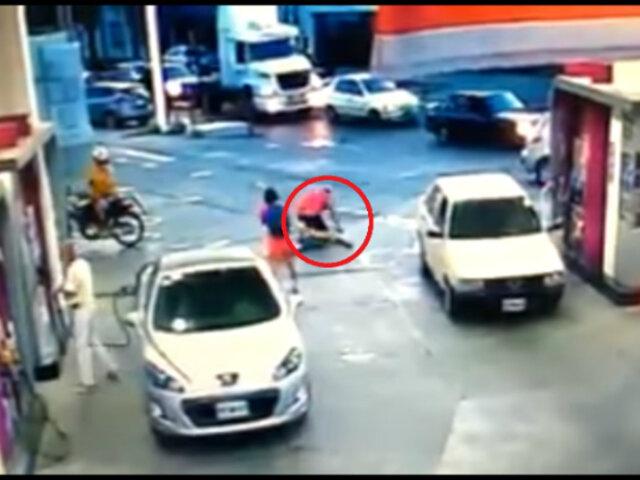 Argentina: Delincuente intenta asaltar a pareja, pero recibió su merecido  [VIDEO]