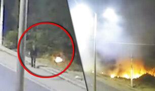 Trujillo: cámara capta a mujer provocando incendio