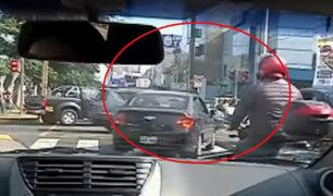 Av. Arequipa: conductores no respetan señales de tránsito e invaden vías prohibidas