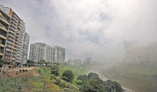 Lima amaneció cubierta por una densa neblina