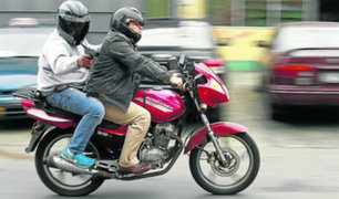 Jesús María: delincuentes armados roban a empresaria en carro en movimiento