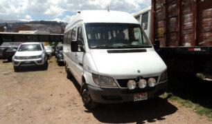 Caída de roca sobre vehículo deja una turista muerta en Cusco
