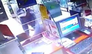 Delincuentes armados roban agente bancario en Ate Vitarte