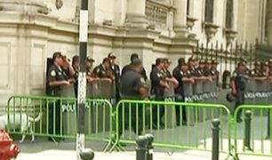 Restringen acceso a calles aledañas a Palacio de Gobierno