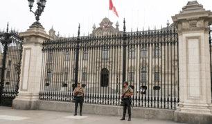 Refuerzan seguridad alrededor de Palacio de Gobierno
