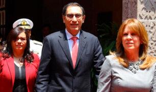 Martín Vizcarra fue condecorado por la Cancillería antes de jurar como presidente