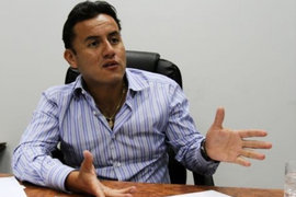 Richard Acuña: Bancadas deben ponerse a disposición del presidente Vizcarra