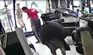 SMP: delincuentes armados roban 6 mil soles de barbería