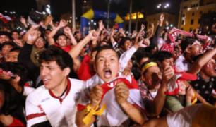 Peruanos celebraron triunfo de la 'Blanquirroja' ante Islandia en distintos puntos de la capital