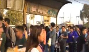 Caos en la Panamericana Sur: cientos de personas pugnan por viajar