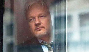 Julian Assange condenado a 50 semanas de cárcel en Londres