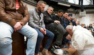 Papa Francisco reveló que sufre de cataratas durante lavado de pies