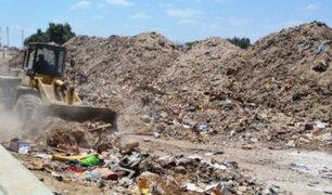 Villa el Salvador: desmonte y basura acumulada afecta a los vecinos