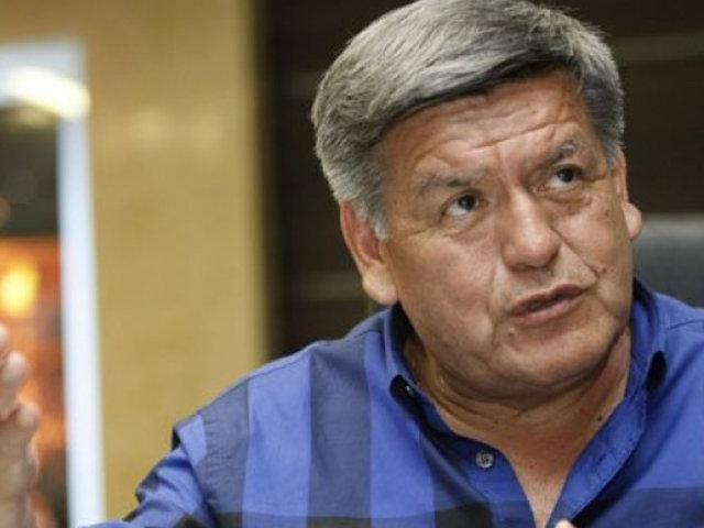 Acusan a César Acuña por transferencia de 50 millones de dólares