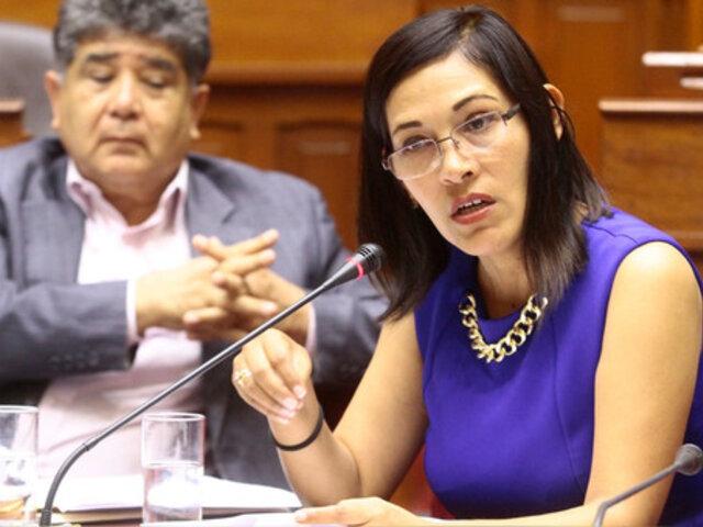 Milagros Salazar defiende titularidad de Tamar Arimborgo en Comisión de Educación