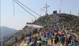 Masiva peregrinación: miles recordaron vía crucis en cerro San Cristóbal