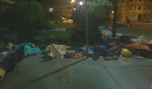 Huacho: pacientes duermen en la calle para conseguir citas en hospital