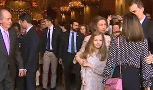 España: reinas Sofía y Letizia protagonizan bochornoso incidente en misa de Pascua