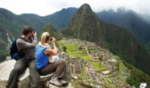 Turismo: aprueban protocolos para agencias de viaje, guías y albergues