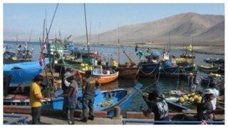 Así empezó el primer día de huelga indefinida de los pescadores artesanales