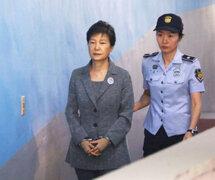 Corea del Sur: exmandataria fue sentenciada a 24 años de prisión por corrupción