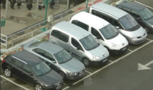 Precisan en qué consiste proyecto sobre el uso de estacionamiento gratuito en centros comerciales