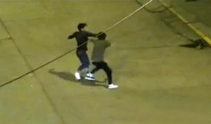 Huancayo: jóvenes se agarran a golpes en plena calle