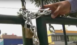 Surquillo: vecinos cierran acceso a parque para impedir ingreso de mascotas