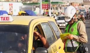 Policía de Tránsito realiza operativo para multar a conductores infractores