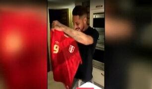 Paolo Guerrero: mira su reacción al recibir la tercera camiseta de la selección