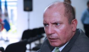 Cesan al superintendente de Migraciones Eduardo Sevilla